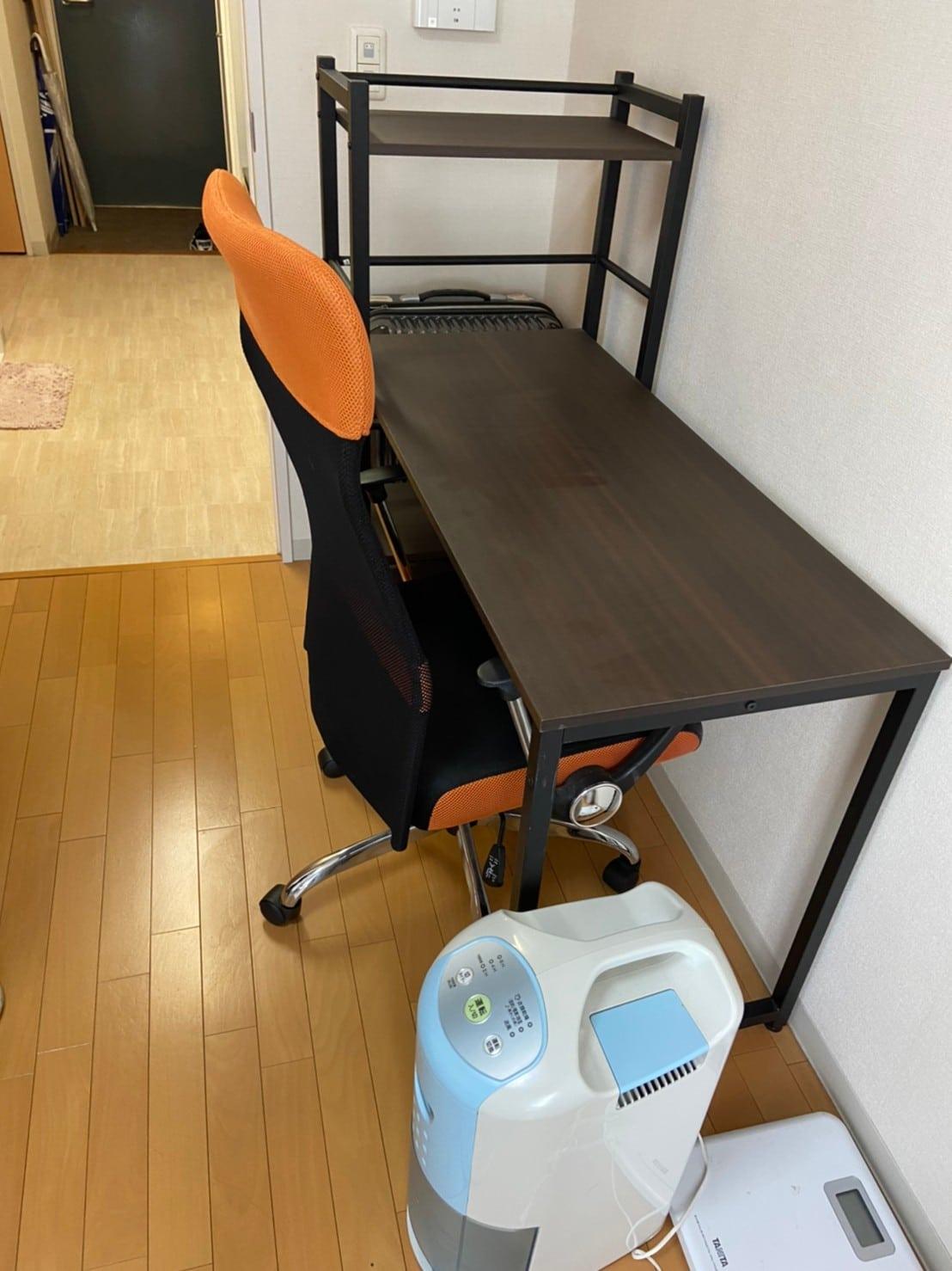 東京都立川市でデスクの回収をしました